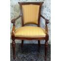 Butacas con brazos y pequeños  asientos con brazos